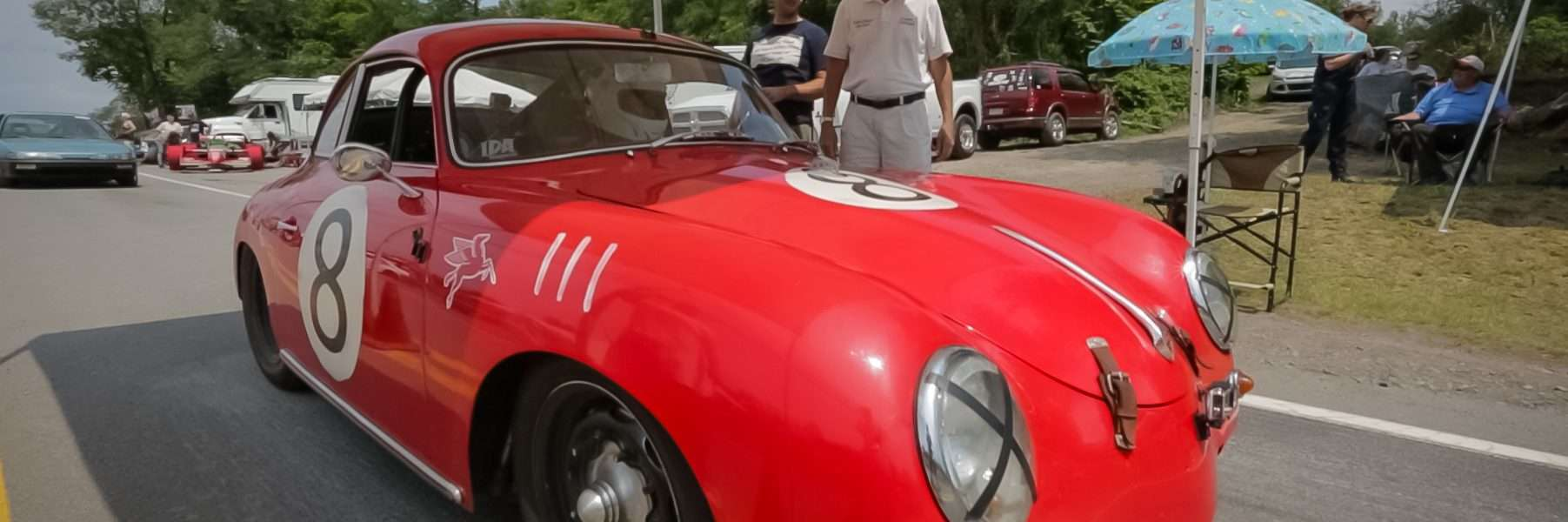 Rob Ida races his 356 at the Giants Despair Hill Climb