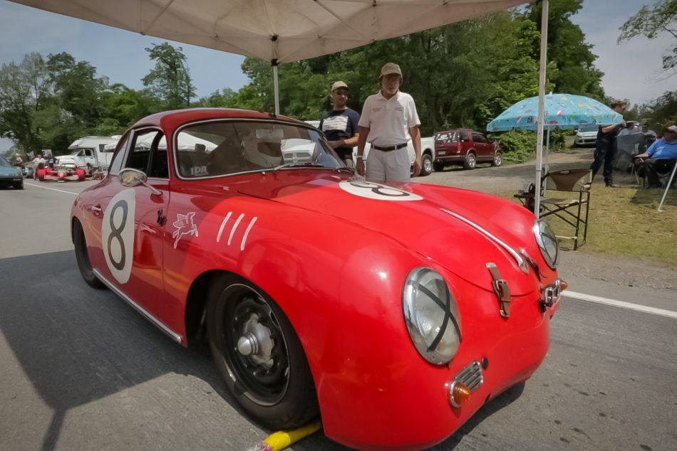 Rob Ida races his 356 at the Giants Despair Hill Climb