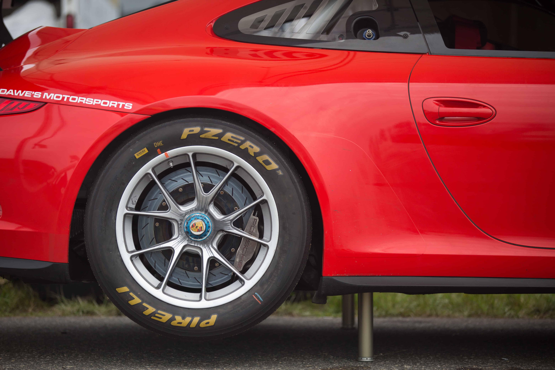 Porsche on air jacks