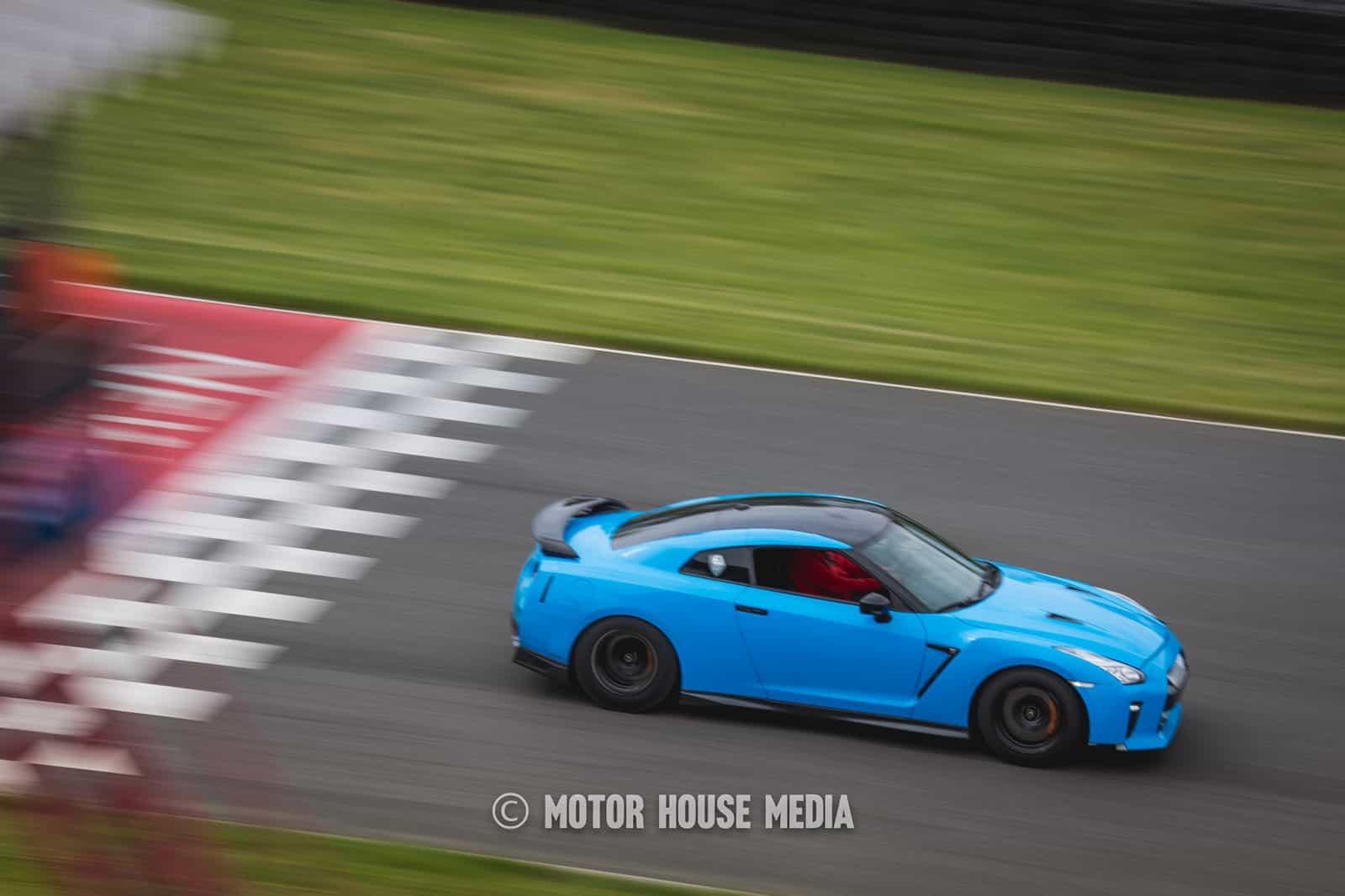 Nissan GTR roll Racing