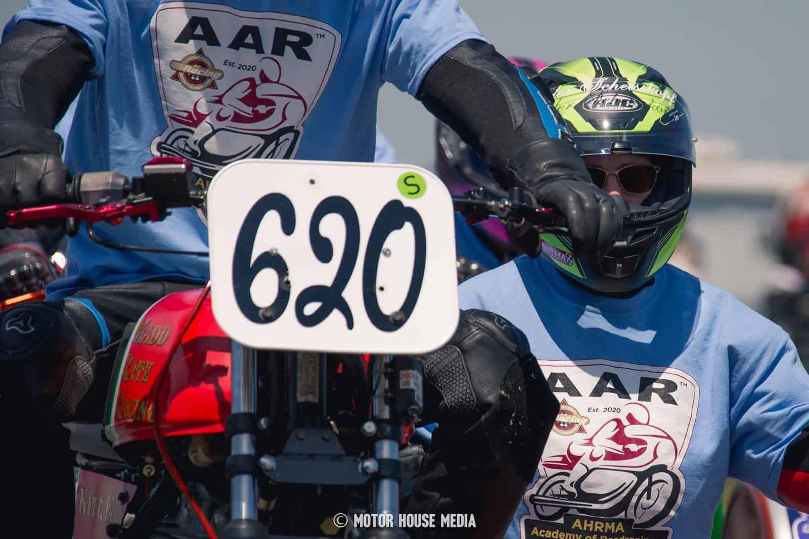 AHMRA Vintage bike racers