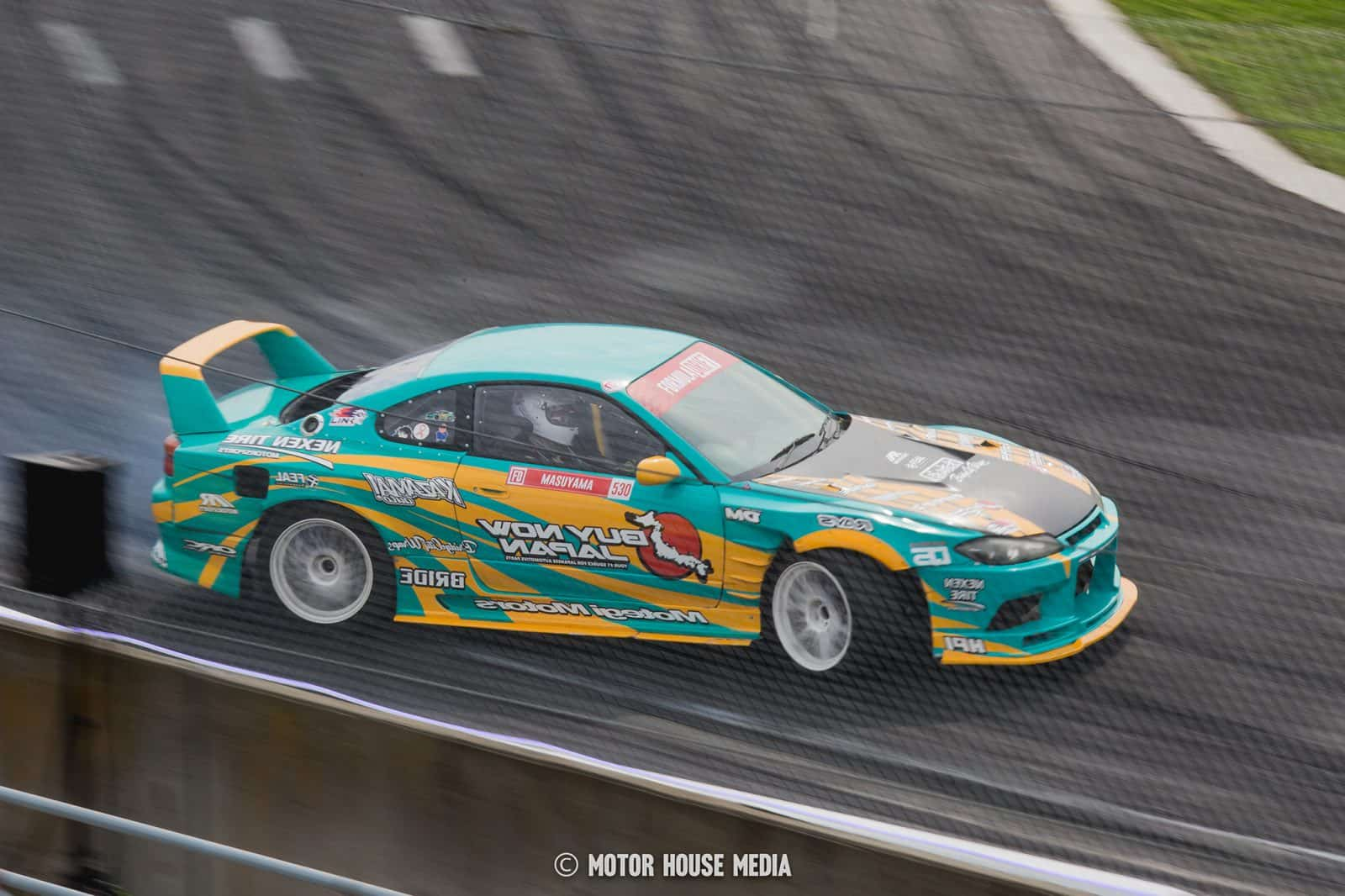 Mataru Masuyama drifting in his Buy Japan Formula drift car