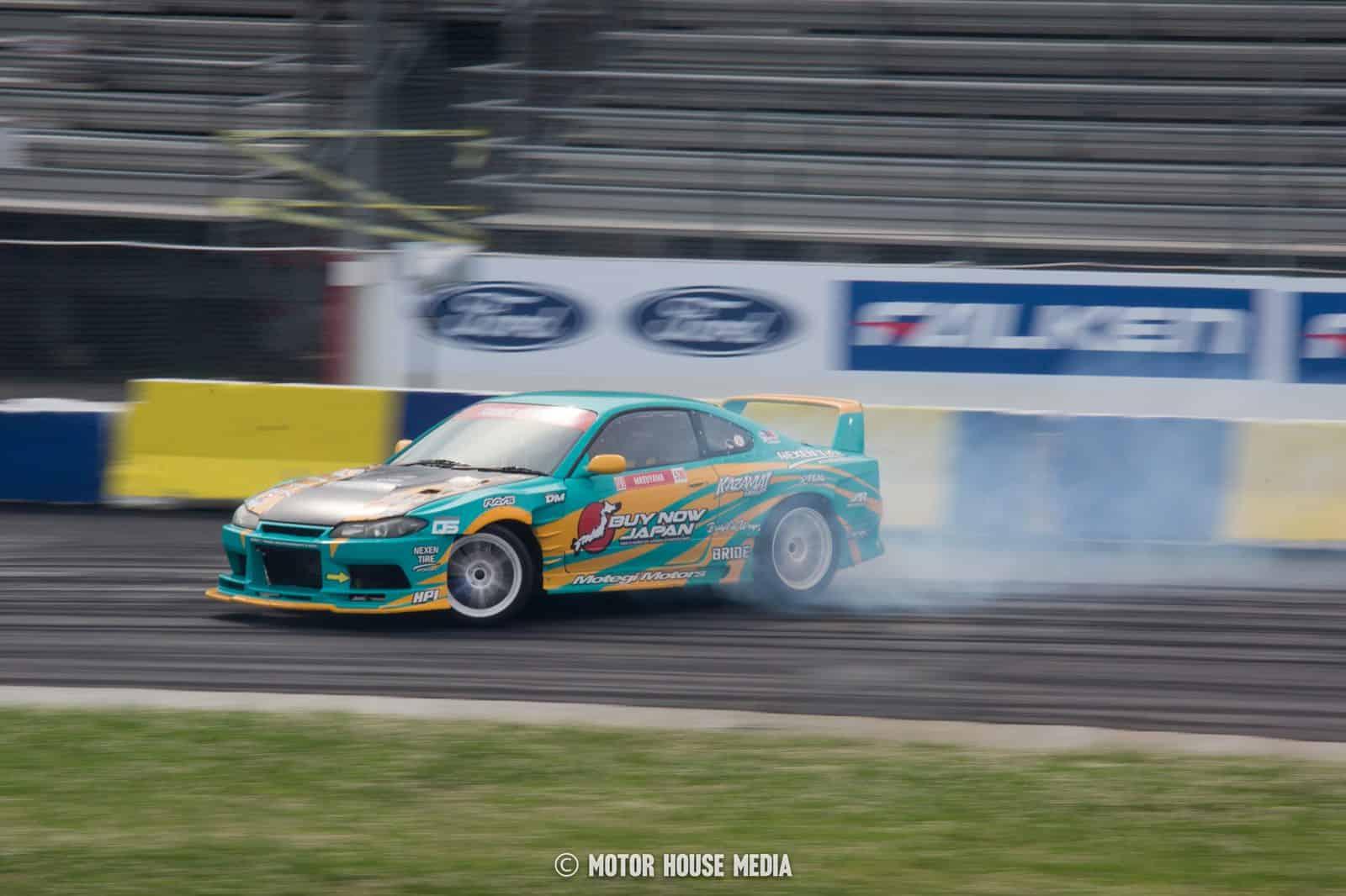 Mataru Masuyama drifting in hos Buy Japan Formula drift car
